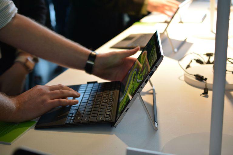 Harga Laptop Acer Switch Alpha 12